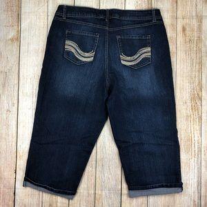 Avenue Blue Capri Jeans, Cuffed